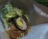 A big time favorite: Nasi Campur (vegetable, hard boiled egg, and Javanese beef steak over white rice)