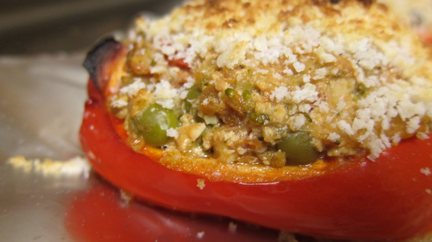 Stuffed Bell Pepper with Chicken, Tofu, Vegetables, Breadcrumbs by TCP